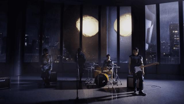 Ultraman Neos no clipe da banda Mayday