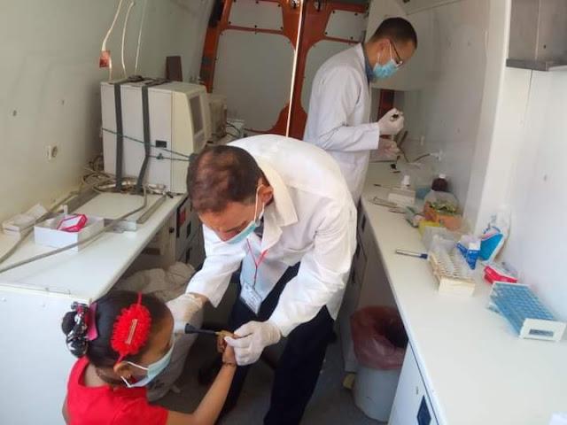 الكشف على ١٣٨٦ مريض خلال قافلة طبية متعددة التخصصات بمركز الرحمانية في البحيرة.
