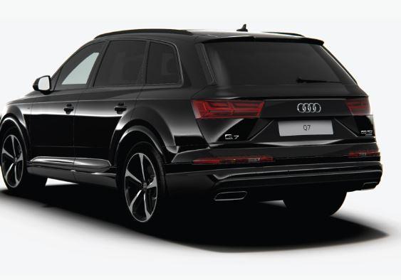 Audi Q7 black Edition 2019 Rear View