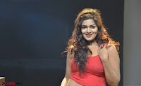 Ashwini Sizzling Pics in Tamil movie Jeyikkira Kuthira 007.jpg