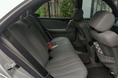 Interior Kabin Belakang Mercedes-Benz W210