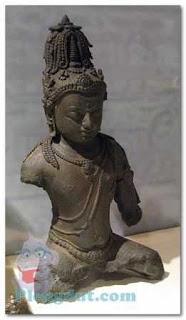 Sumatera Selatan terdapat Arca Maitreya yang merupakan Arca Sriwijaya