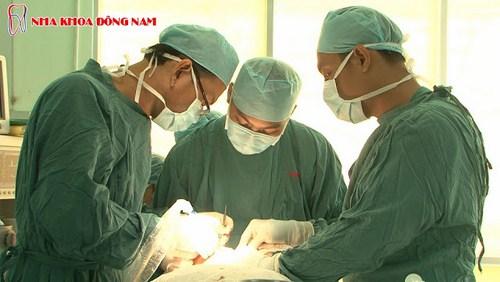 Nha Khoa Đông Nam chuyên về phục hình răng sứ