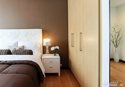 What are the Different Kinds of Bedroom Table Lamps?
