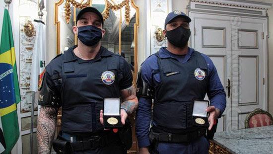guardas humilhados desembargador medalha conduta exemplar