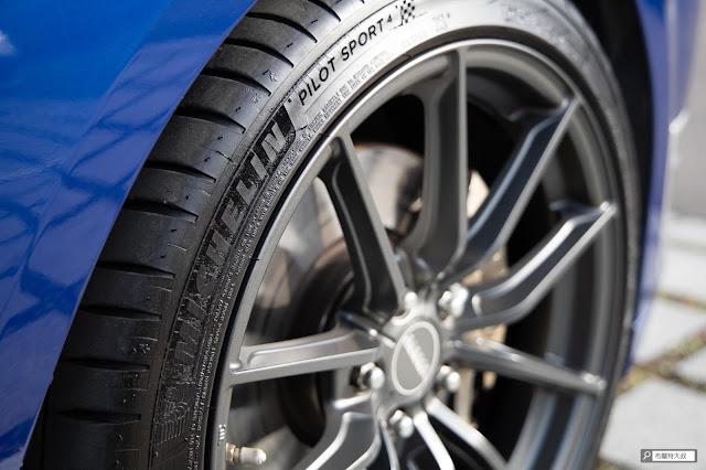 【開箱】汽油車、柴油車都能救,米其林 Michelin 汽車啟動行動電源 ML-8100 - 米其林 Michelin 的輪胎真的是用過就回不去了 (跟本產品無關)
