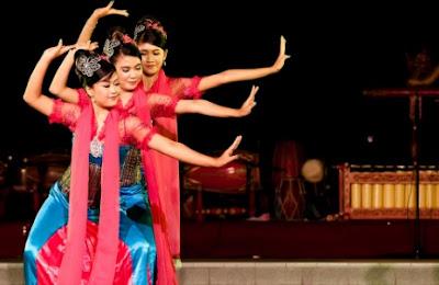 Sejarah Singkat jenis jenis Kebudayaan fungsi , properti jumlah penari dari gerakan Tari Jaipong