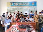 Sambangi Balai Wartawan, Rezka Oktoberia Disambut Puluhan Wartawan Luak Limo Puluah