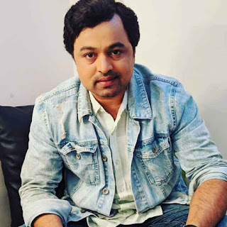 Subodh Bhave  expressed his desire to play the role of Sharad Pawar.