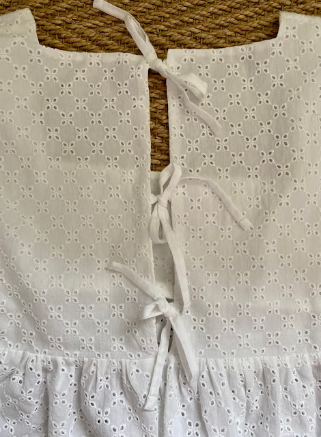 Diary of a Chain Stitcher: Pauline Alice Coeli Blouse in Broderie Anglaise from Simply Fabrics