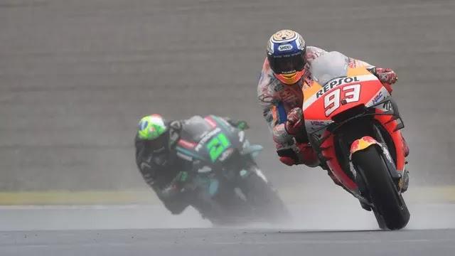 MotoGP Sepang: Marquez Cium Aspal, Pole Position Didapat Pembalap Petronas Yamaha SRT