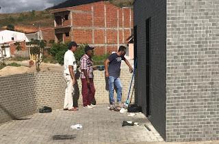 No seu 2º dia de gestão, Marcelo do Sindicato encontra banheiro público em situação precária, inicia limpeza e garante melhoraria na estrutura