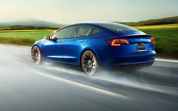 Tesla Model 3 2022 com capacidade de visão - traseira