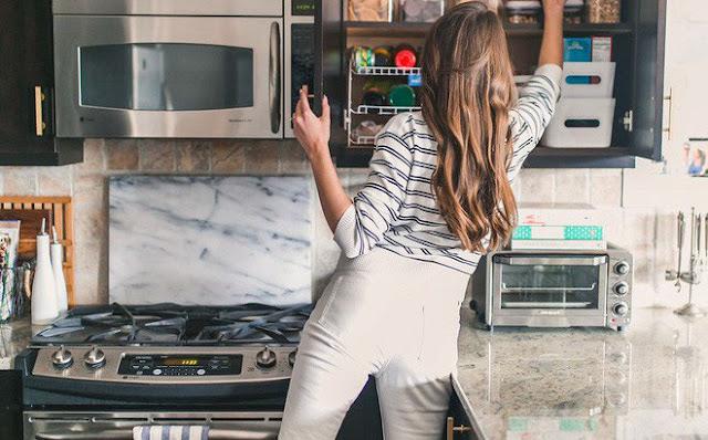 ĐÀN ÔNG THÀNH ĐẠT TÌM KIẾM MẪU PHỤ NỮ NÀO? 3. Biết nấu ăn, giao tiếp tốt