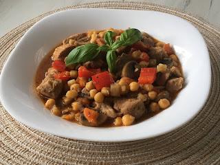 Ciecierzyca z mięsem i warzywami na pyszny obiad