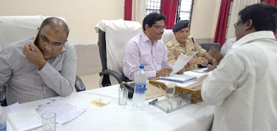 Joint Magistrate Listen To Public Complaints And Help Them Khushi Nagar Uttar Pradesh