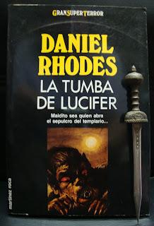 Portada del libro La tumba de Lucifer, de Daniel Rhodes
