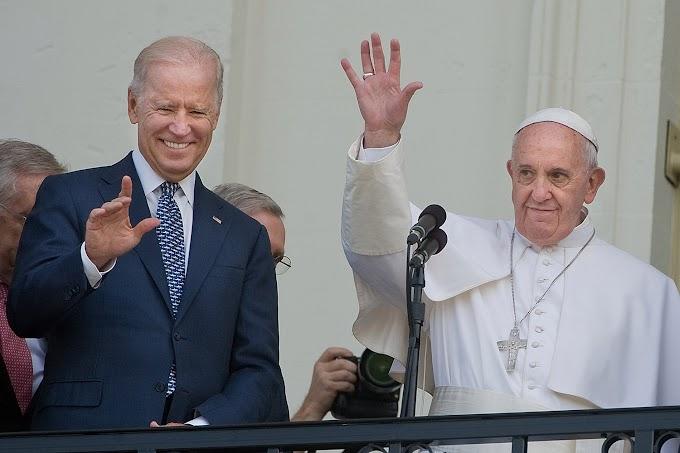 """Os católicos """"devotos"""" que promovem activamente o aborto e querem a Eucaristia"""