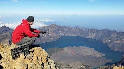Top mount Rinjani 3726 meter