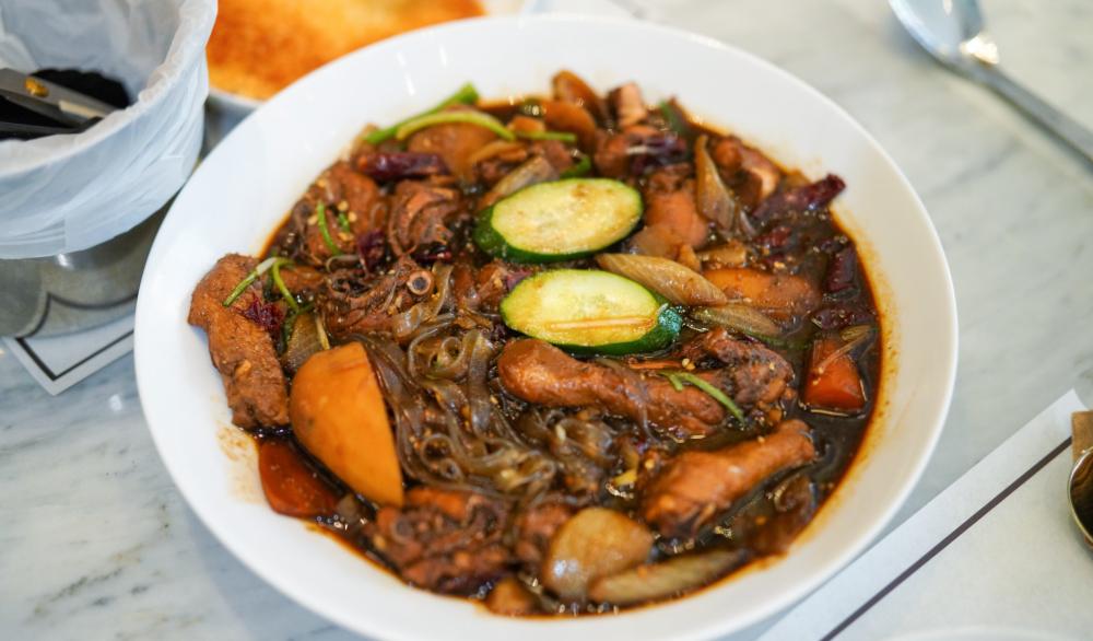 bongchu braised chicken, 1 utama