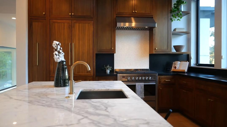 49 Photos vs. Tour 2224 Earl St, Los Angeles, CA Luxury Home Interior Design