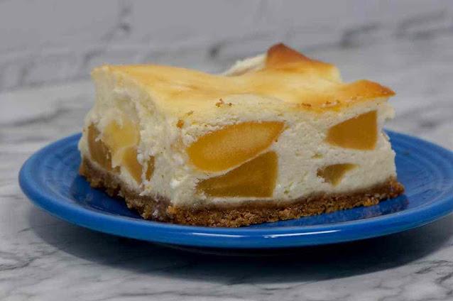 Apple Pie Cheesecake Bars