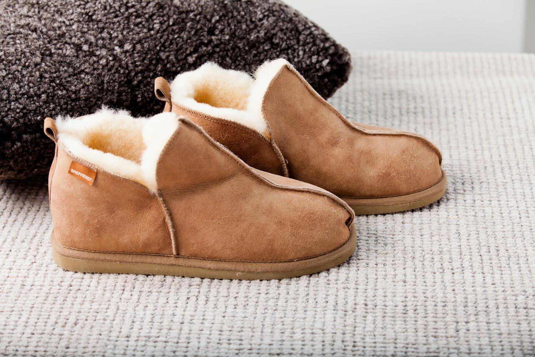 Fashion tips for women's – Try sheepskin slippers
