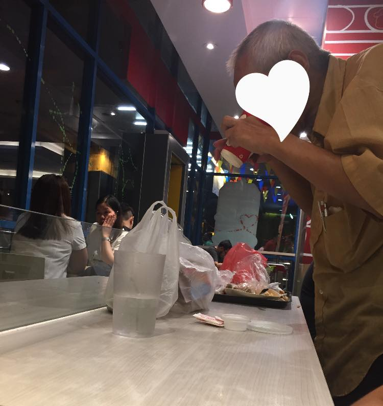 Snobbish woman earns ire for complaint about messy table occupied by old man