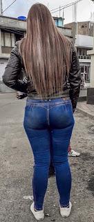 Sabrosa chava buenas nalgas jeans apretados
