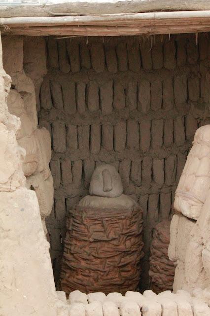 Fardo funerario en Huaca Pucllana en Lima