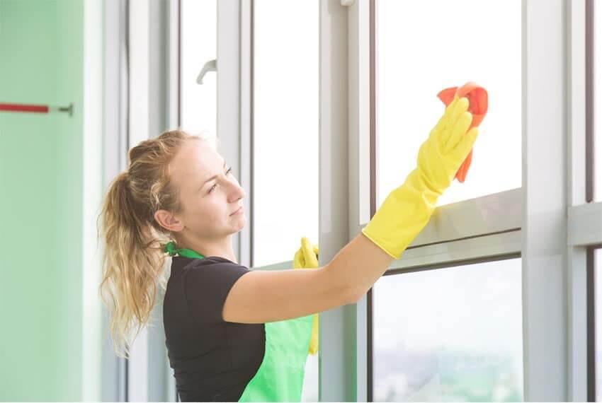 Cách bảo quản cửa nhôm kính khi bị ố vàng giúp của luôn đẹp bền