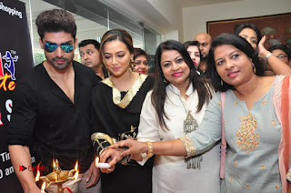 Bollywood Actress Sana Khan Launches Aakrithi Exibition  0293.JPG