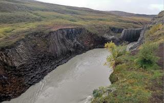 Cañón Stuðlagil o Basalt Column Canyon, Islandia, Iceland.