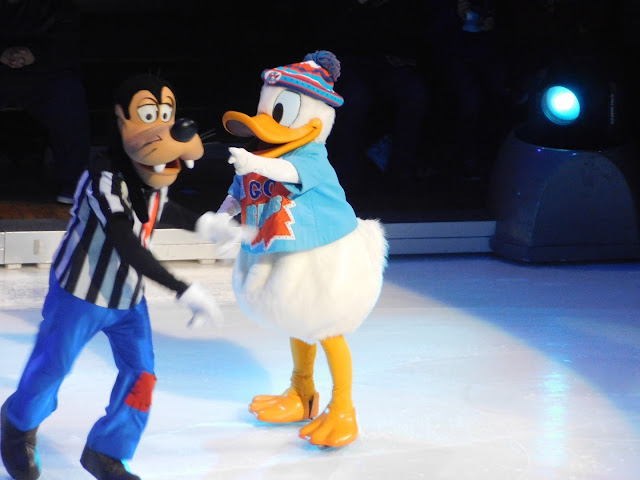 Disney on Ice presents Follow Your Heart | Goofy and Donald