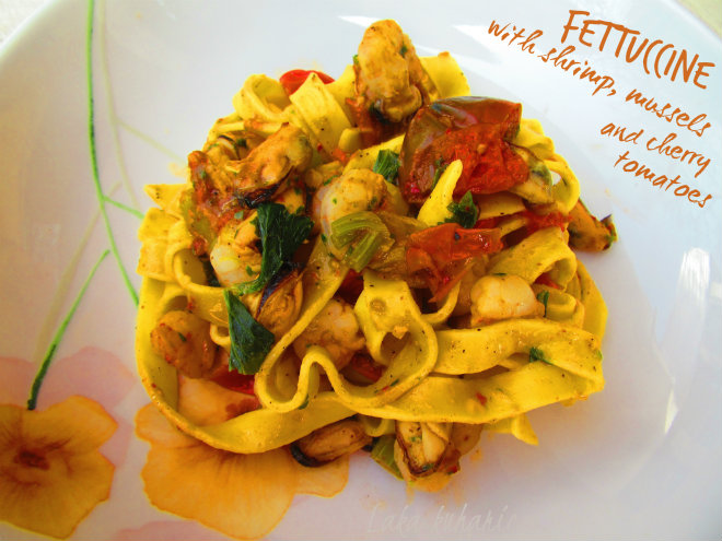 Fettuccine with shrimp, mussels and cherry tomatoes by Laka kuharica: simple pasta and seafood dish made easily and quickly.