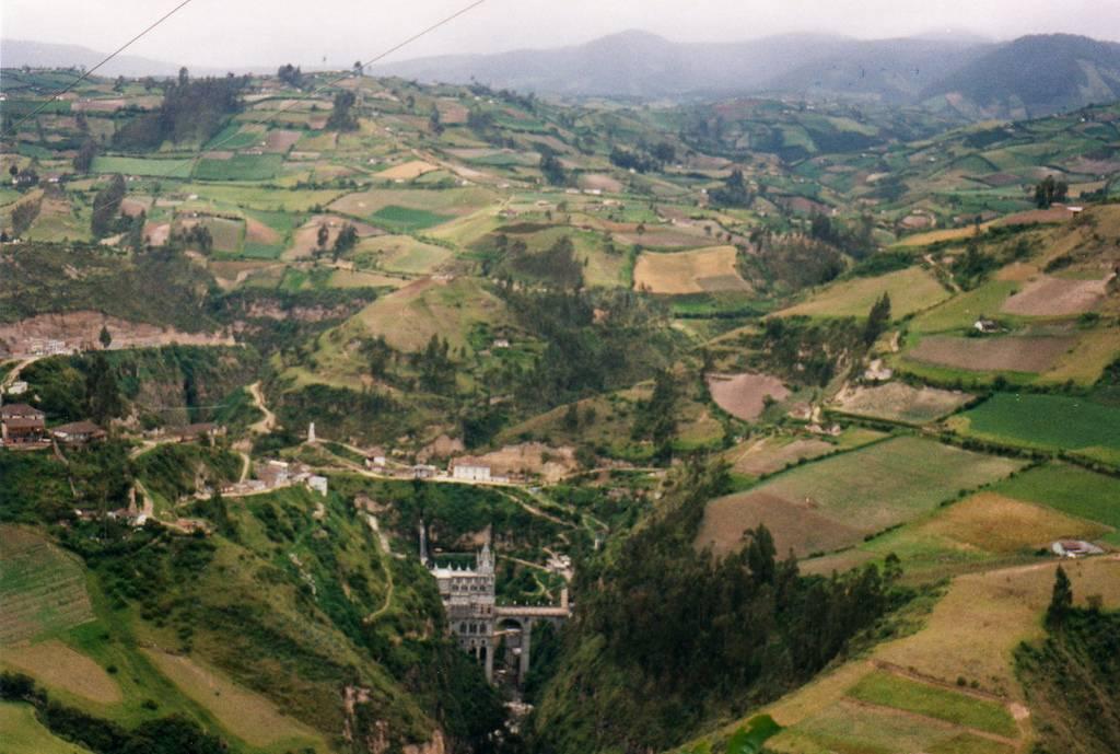 Las+Lajas+Sanctuary+Church+Colombia+Santuario+5.jpg (1024×689)