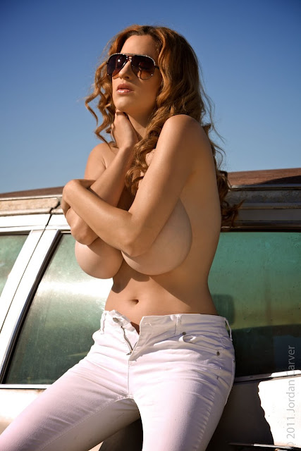 Jordan-Carver-nude-tits-photoshoot-car-dump-image-11