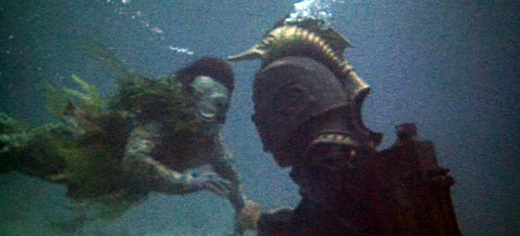 Gil-man vs. diver, War-Gods of the Deep (1965)