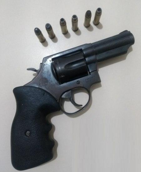24ª CIPM prende indivíduo por porte ilegal de arma de fogo em Jacobina