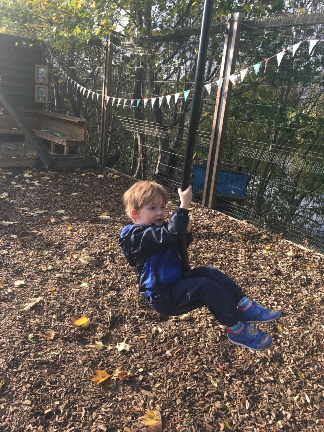 toddler-on-zip-wire-at-arc-play-cardiff