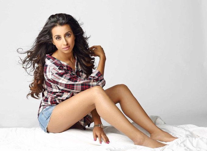 Indian Model Sanjana Galrani Thigh Show Photos In Mini Short