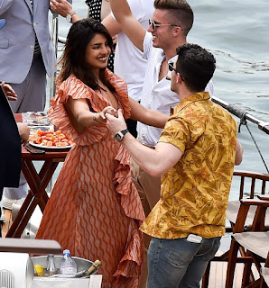 Priyanka Chopra And Nick Jonas' Parisian Cruise With Sophie Turner Joe Jonas