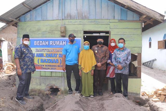 Pemkab bersama Baznas Kabupaten Sergai Berkerja Sama Melakukan Bedah Rumah Sebanyak 10 Unit Rumah Warga