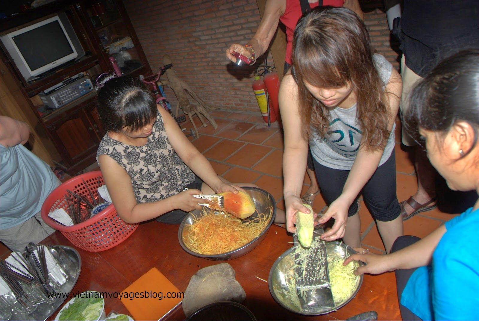 Công ty Hành Trình Việt khảo sát tuyến du lịch tại Vĩnh Long