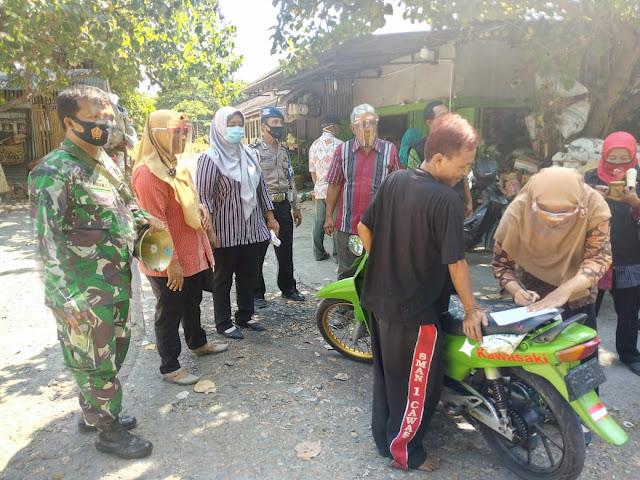 Koramil 04/Pedan Bersama Gusgas Pemeritah Desa Melaksanakan Penegakan Disiplin Protokol Kesehatan