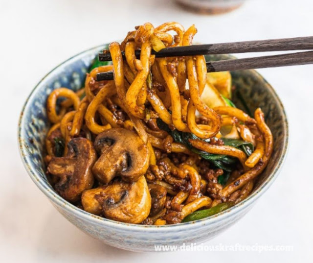 STIR FRIED UDON NOODLES