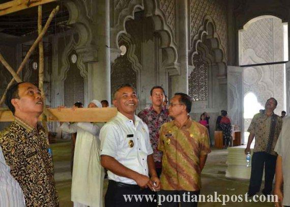 Toleransi di Ketapang: Bupati Dukung Pembangunan Masjid Agung & Gereja St Agustinus