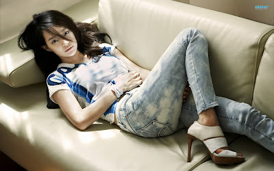 http://utility-share.blogspot.com/2014/12/inilah-10-artis-korea-tercantik.html