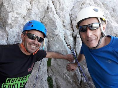 subida-pared-Picu-urriellu-naranjo-de-bulnes-picos-de-europa-enlacima