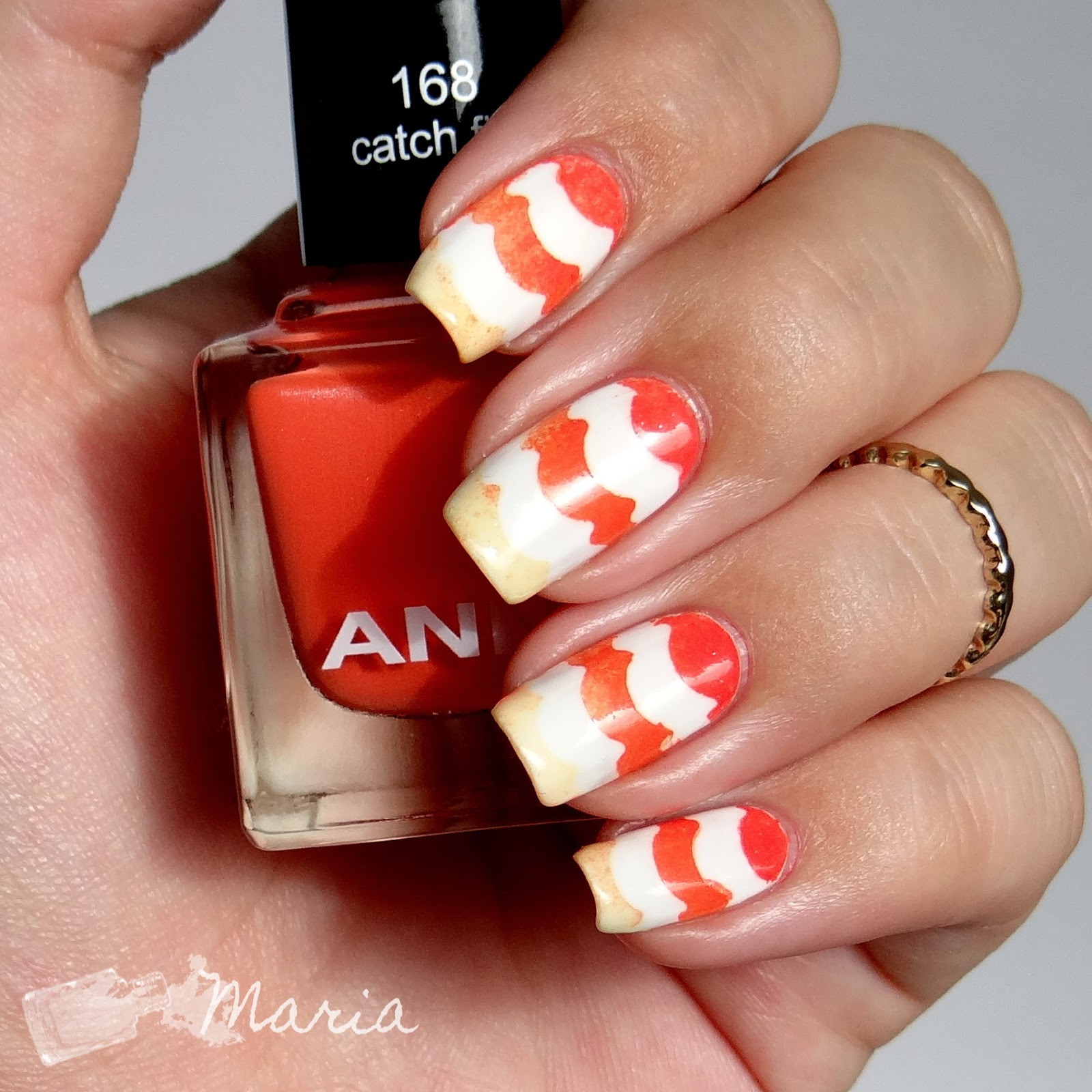 http://rainpow-nails.blogspot.de/2014/08/tape-month-sunset-gradient.html